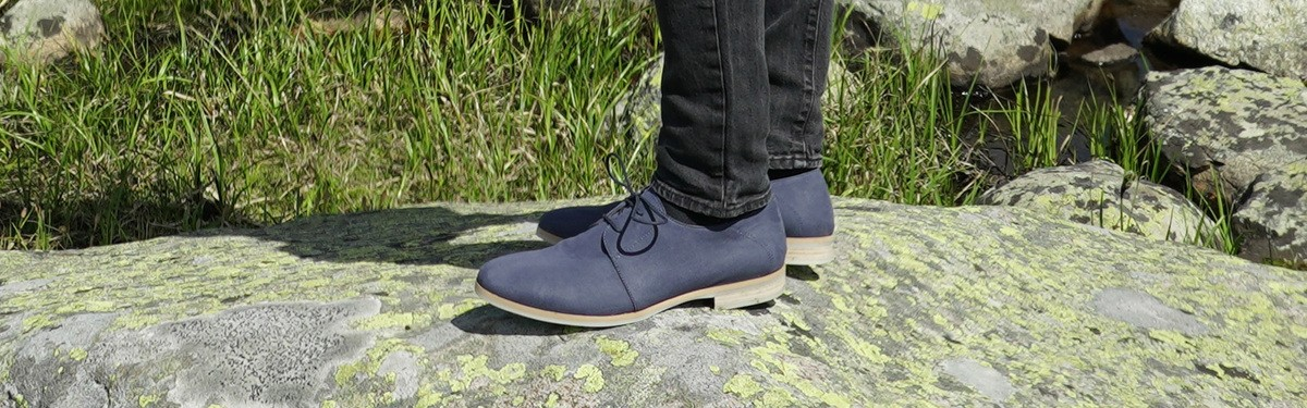 Timeless vegan lace-up shoes